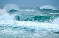 Heavy Waves (Credit: Erik K Veland on Flickr) Click to Enlarge.