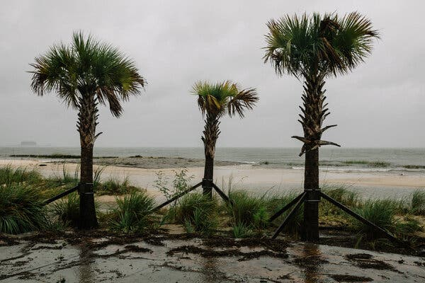 Beach Boulevard, which traces the coast in Pascagoula, Miss., was closed to traffic.